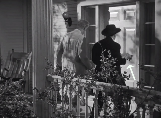 The Boogie Man Will Get You - Dr. Arthur Lorencz Peter Lorre carrying Siamese kitten with Dr. Billings Boris Karloff approaching house