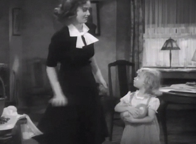 Broadway Musketeers - Isabel Margaret Lindsay talking to Judy Janet Chapman holding small ginger tabby kitten