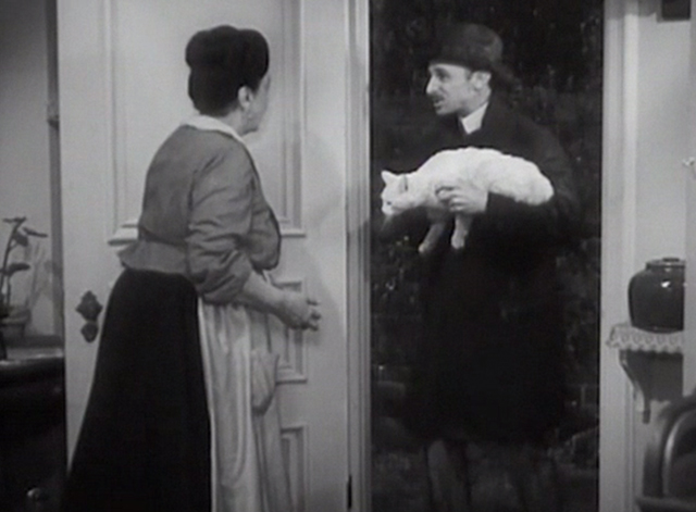 Chasing Yesterday - Therese Helen Westley opens door to find bookseller Coccoz John Qualen holding white cat Whitey