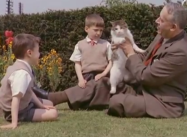 Children's Railway Home - superintendent George Dad Evershed holding cat with boys