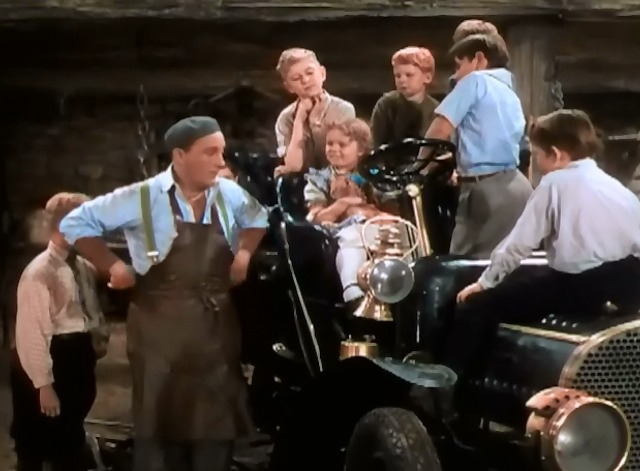 A Connecticut Yankee in King Arthur's Court - Hank Martin Bing Crosby with kids and girl with orange cat on her lap
