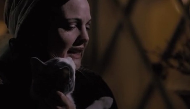 Grey Gardens HBO - Edie finds Whiskers cat