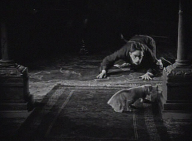 I Do - Harold Lloyd sees cat covered with material