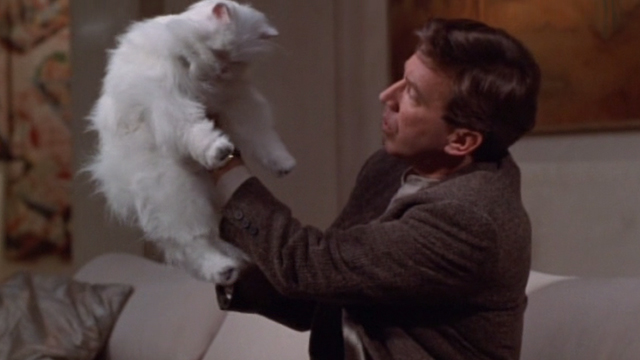 Jungle 2 Jungle - Michael Tim Allen holding up fake limp Coco white Persian cat