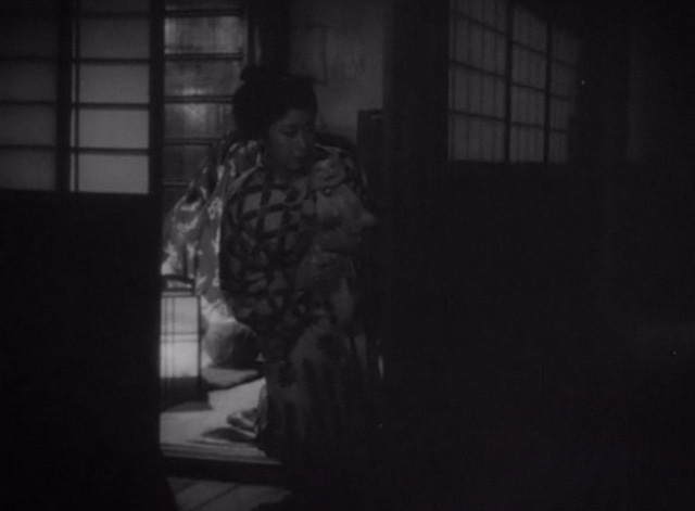 The Life of Oharu - Oharu Kinuyo Tanaka with small cat