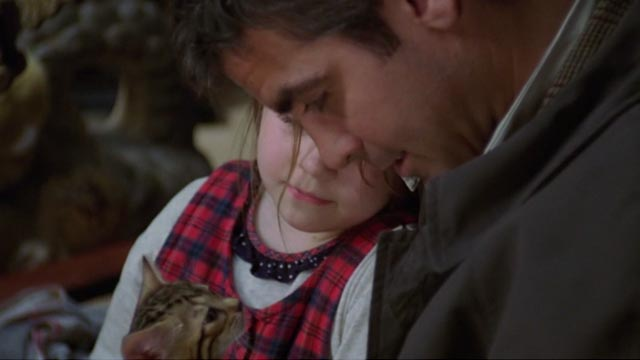 One Fine Day - Maggie Mae Whitman and Jack George Clooney with tabby kitten Bob