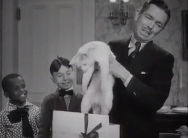 Our Gang - Feed 'em and Weep - Mr. Hood Johnny Arthur pulls white cat out of gift box