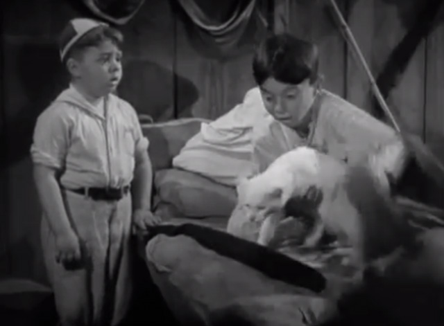 Our Gang - Fishy Tales - Alfalfa pulls white cat from underneath covers on bed