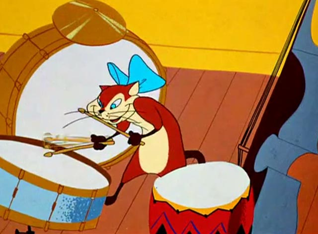 Pizzycato Pussycat - cat playing drums