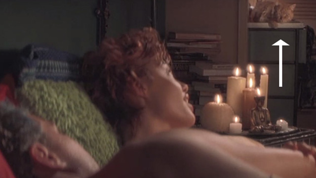 Playing by Heart - Joan Angelina Jolie and Keenan Ryan Philippe in bed looking back at one eyed ginger tabby cat Blanche