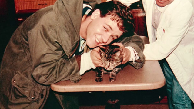 Proof - photo of Bengal tabby cat Ugly in veterinary office with Andy Russell Crowe