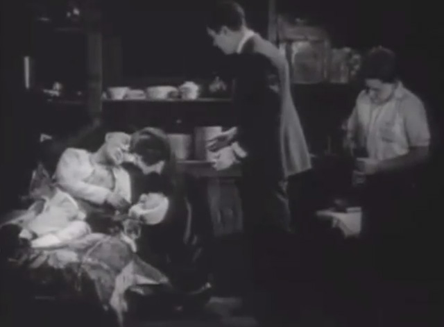 Shadows - Yen Sing Lon Chaney lying on death bed with Bengal tabby cat at his side plus Sympathy Marguerite De La Motte Minister Maldon Harrison Ford and boy Buddy Messenger