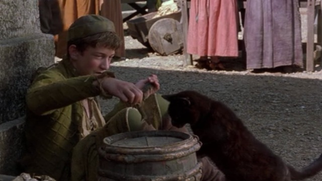 Shakespeare in Love - John Webster Joe Roberts lures black cat with mouse