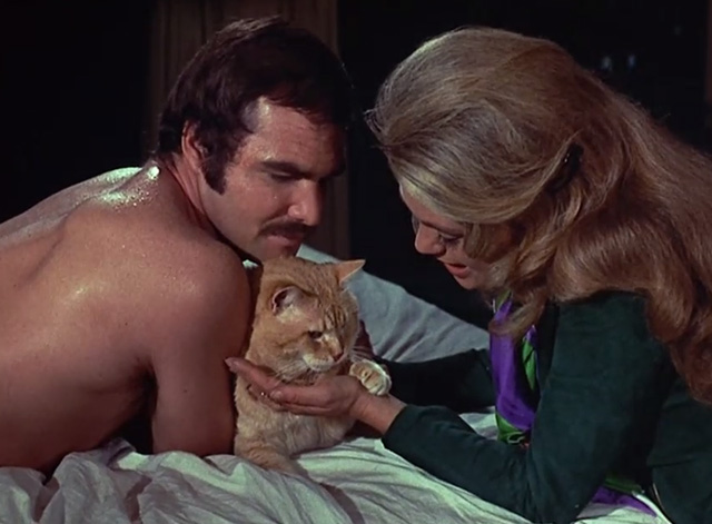 Shamus - McCoy Burt Reynolds and Dyan Cannon on pool table with Cat Morris between them