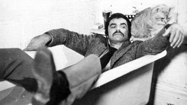 Shamus - McCoy Burt Reynolds in bathtub with Cat Morris publicity still