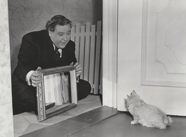 The Suspect publicity still - Charles Laughton, kitten and mirror