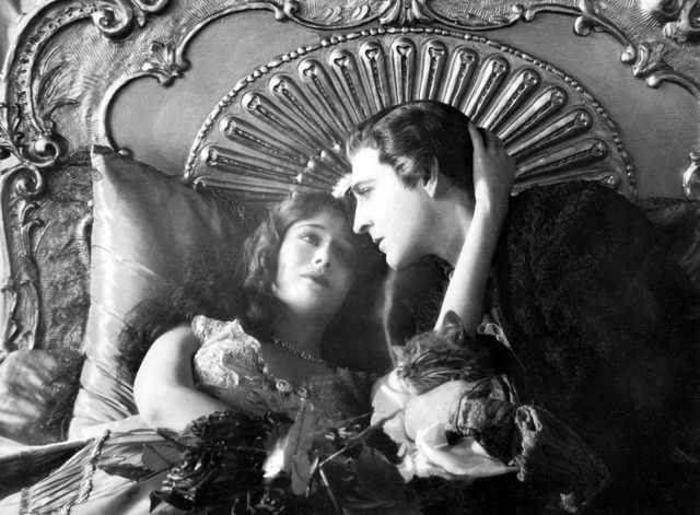 When a Man Loves - tabby kitten Fifi with Fabien John Barrymore and Manon Dolores Costello in bed