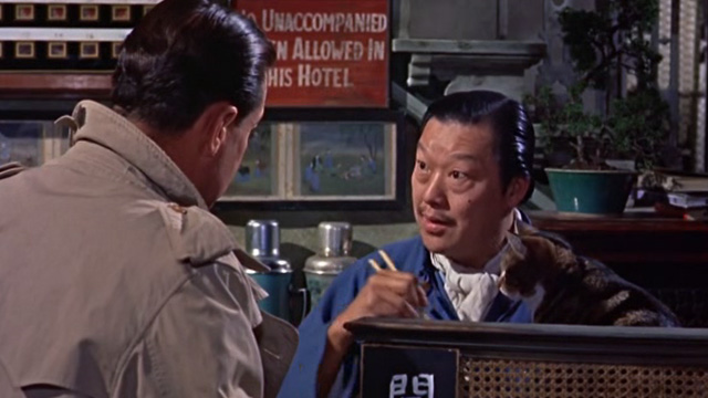 The World of Suzie Wong - Robert Lomax William Holden with Ah Tong Andy Ho and tabby cat