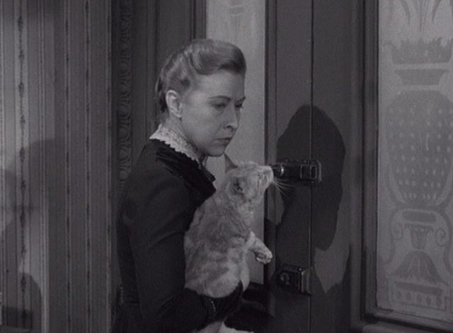 Alfred Hitchcock Presents - The Older Sister - Lizzie Borden Carmen Mathews holding orange tabby cat at door