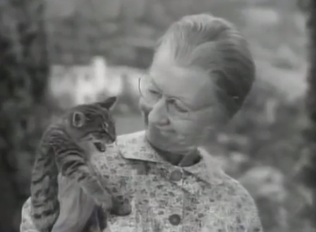 The Beverly Hillbillies - Another Neighbor - Granny Irene Ryan holding tabby kitten Tommy roaring