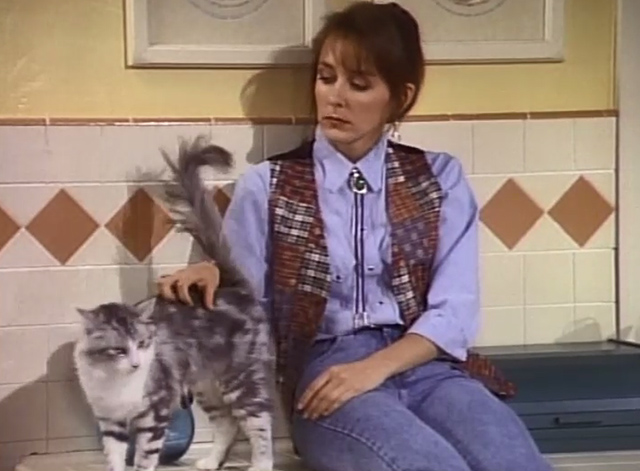 Bob - The Lost Episode - Trisha Cynthia Stevenson in kitchen petting cat Otto