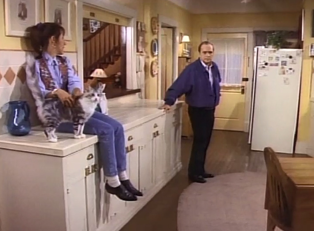 Bob - The Lost Episode - Trisha Cynthia Stevenson in kitchen petting cat Otto with Bob Newhart