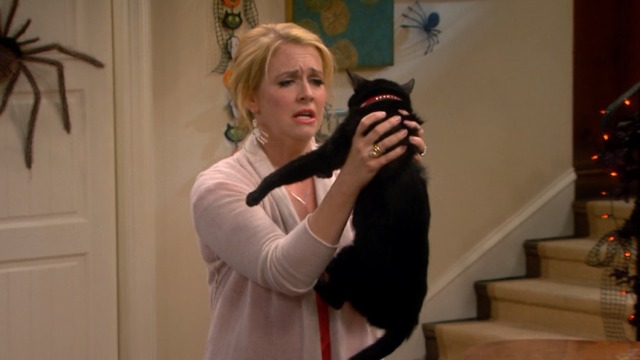 Melissa and Joey - Witch Came First - Melissa carries black cat