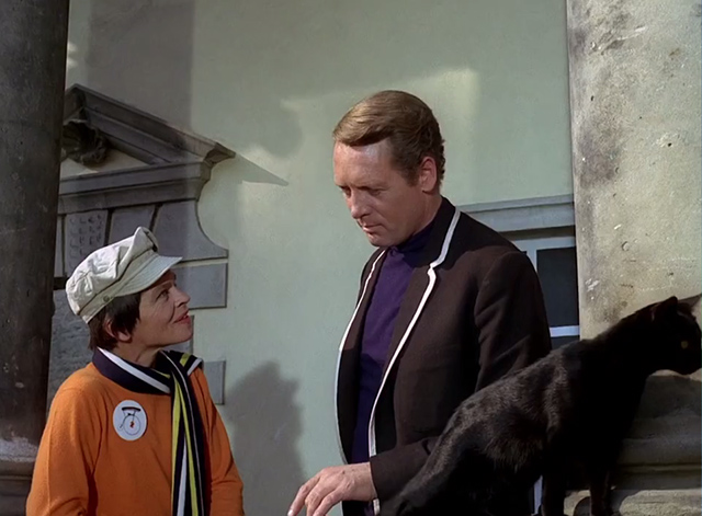 The Prisoner - Dance of the Dead black cat on balcony with Number 2 Mary Morris and Number 6 Patrick McGoohan