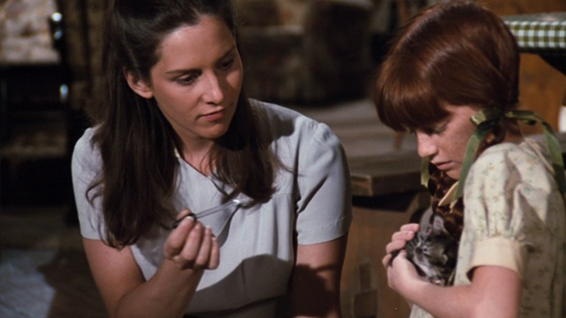 The Waltons - The Loss - Cousin Olivia Deborah White teaching Elizabeth Kami Cotler how to feed tiny kitten with eyedropper