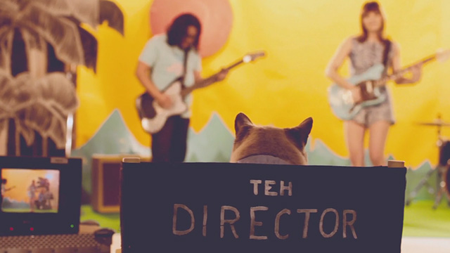 Best Coast - Crazy for You - cat directing band
