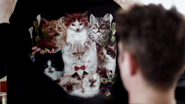 Wonky - cats on t-shirt singing